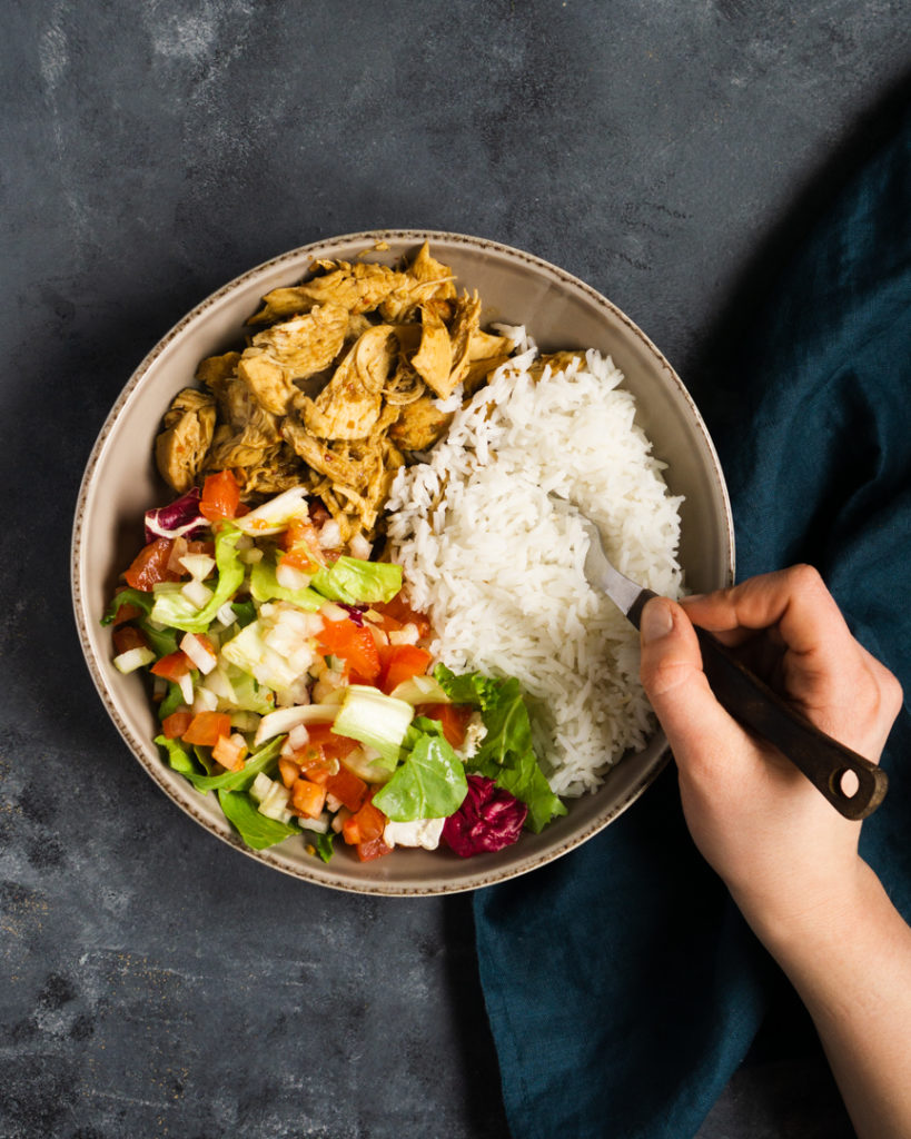 Ryż z szarpanym kurczakiem