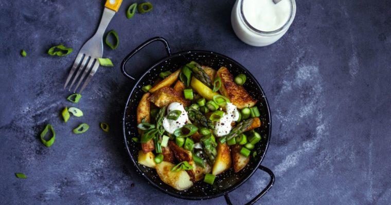 Sałatka z ziemniakami i szparagami
