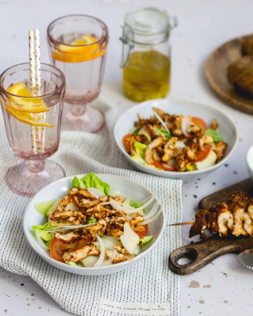 Sałatka z kebabem i kurczakiem