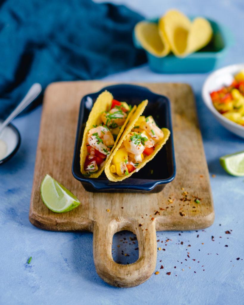 Tacos z krewetkami i salsą