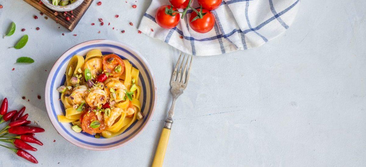 Makaron z krewetkami i pistacjami