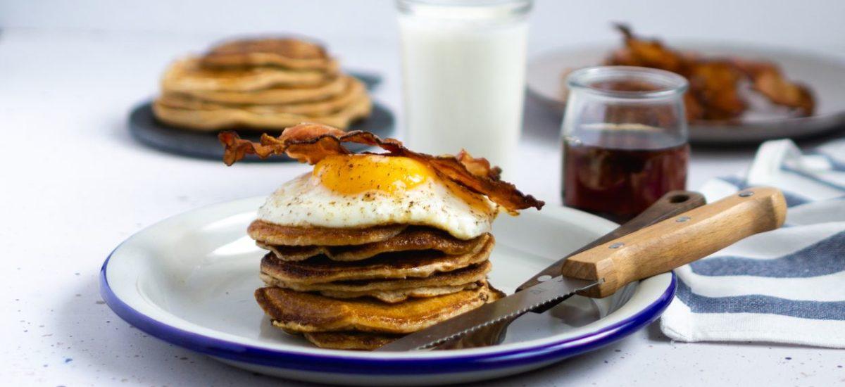 Pancake z bekonem i jajkiem sadzonym