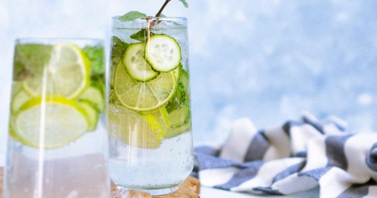 Drink z wódką i ogórkiem