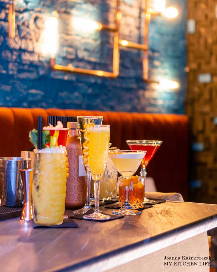 Bar mobilny z drinkami